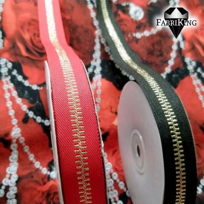 punainen & musta
