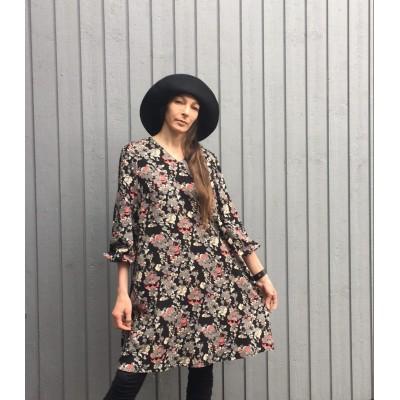 TUULI-mekko ilman vyötä
